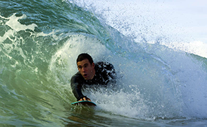 Bodysurfing and Handboard
